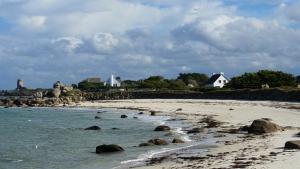 Sandstrand an der bretonischen Küste