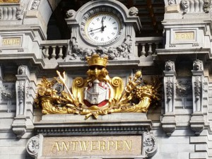 Ankommen im Bahnhof von Antwerpen