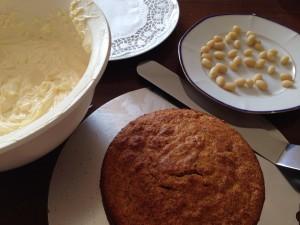 Fertiger Kuchen mit Frischkäsecreme