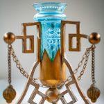Antikes Einzelstück mit blauem Glas