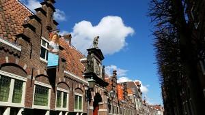 Wunderschöne Häuserfront in Haarlem