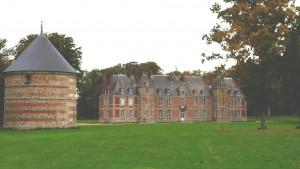 Chateau de Janville mit Taubenhaus