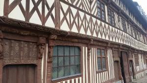 Schnitzereien Maison Henri IV