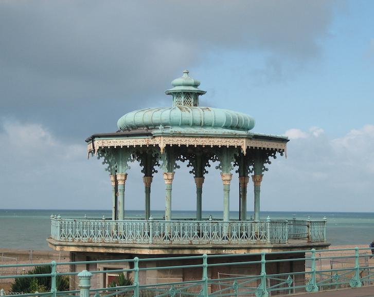 Perfekt zum Flanieren: die Promenade von Brighton