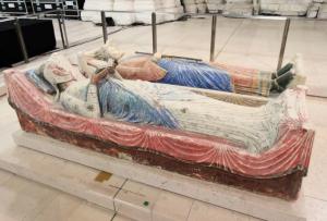 Im Tod wieder vereint: Eleonore von Aquitanien und ihr 2.Mann