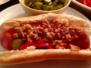 Hot Dog mit leckerem Topping