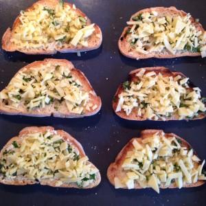 Brote mit Käse überbacken