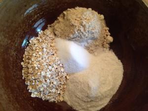 Erdmandeln, Reismehl, Haferflocken und Zucker