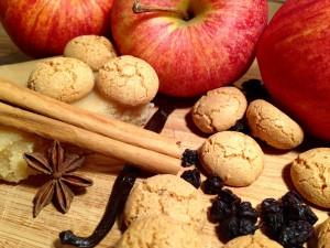 Für die Bratäpfel: Amarettini und leckere Gewürze