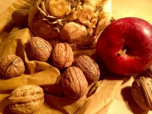 Zutaten für den Sellerie-Apfel-Salat