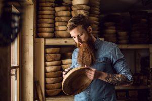 Franz Keilhofer ist Spezialist für die Verarbeitung von Holz