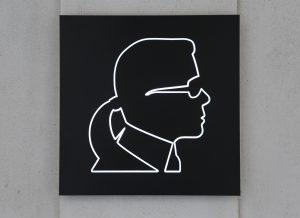 Karl Lagerfeld hat auch Mode unter einer eigenen Marke entworfen
