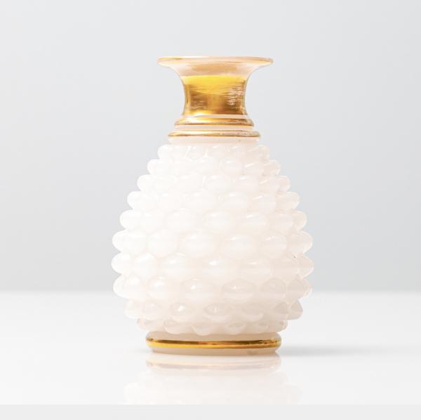 Edle Vase mit Messing