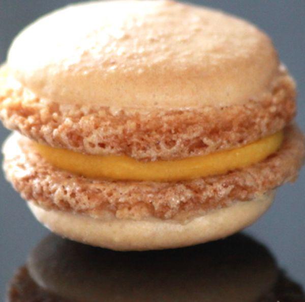 Macarons mit fruchtiger Mango